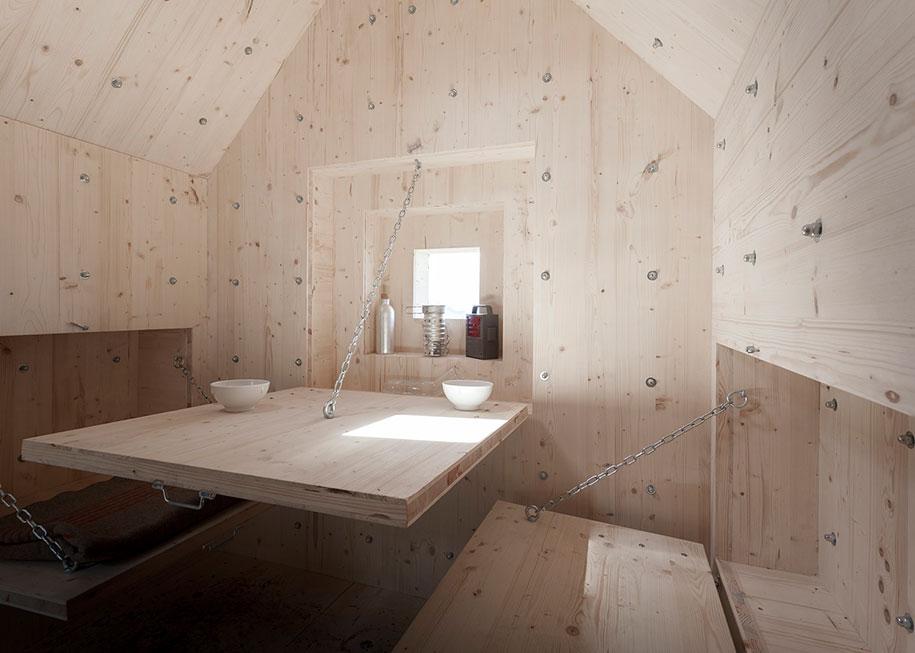 antoine-boulder-cabin-switzerland-alps-bureau-a-6