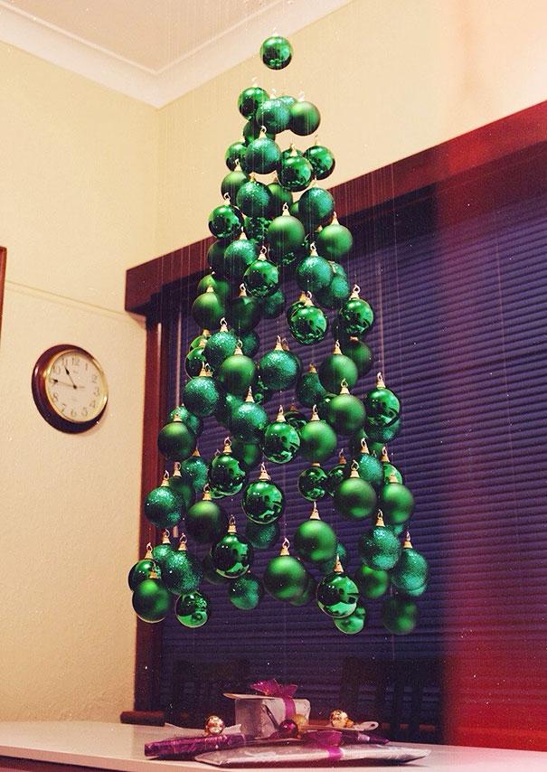 diy-chirstmas-tree-designs-recycling-holidays-1