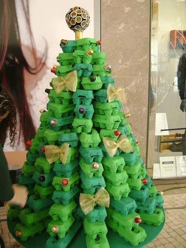 diy-chirstmas-tree-designs-recycling-holidays-21