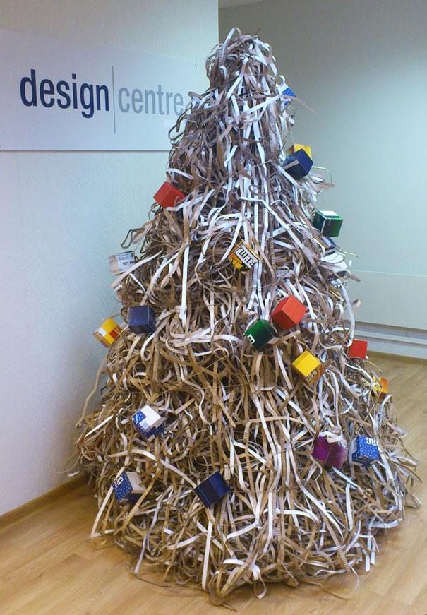 diy-chirstmas-tree-designs-recycling-holidays-25