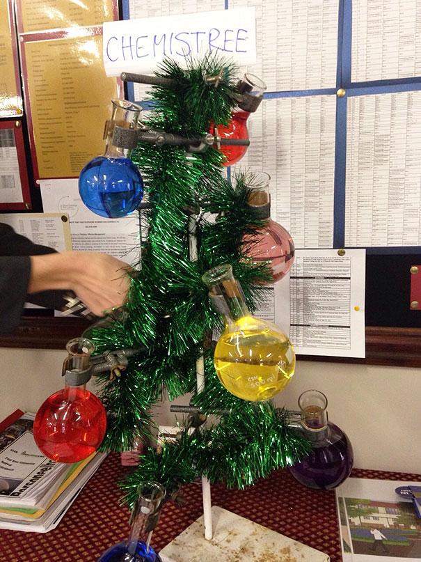 diy-chirstmas-tree-designs-recycling-holidays-9