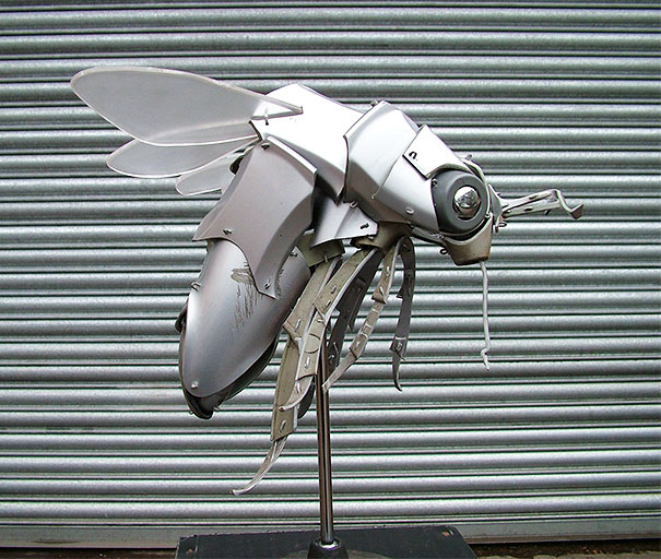 hubcaps-recycling-art-upcycling-ptolemy-elrington-13