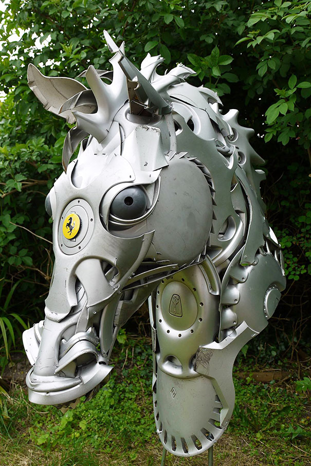 hubcaps-recycling-art-upcycling-ptolemy-elrington-26