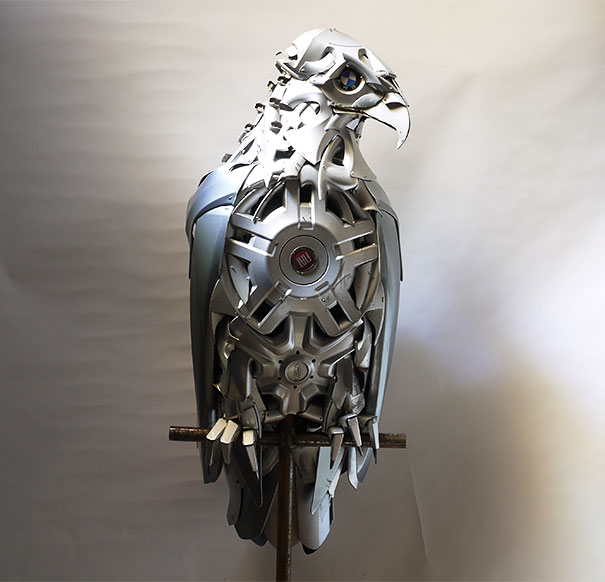 hubcaps-recycling-art-upcycling-ptolemy-elrington-5