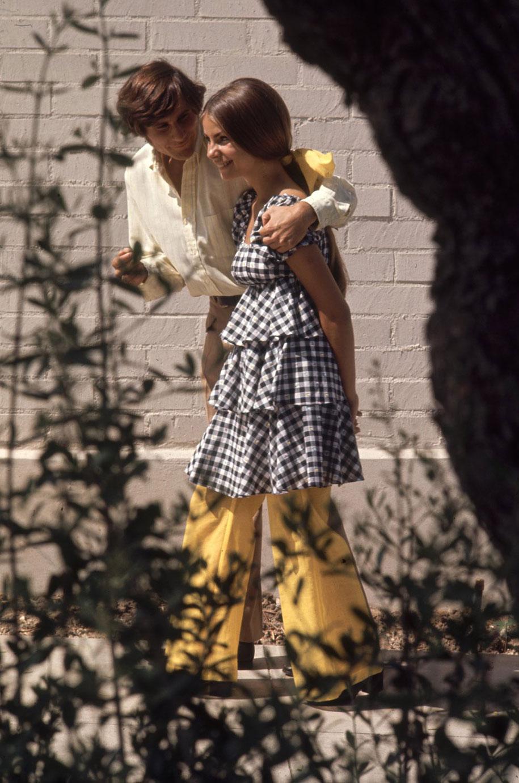 1969-hippie-high-school-counterculture-photography-1