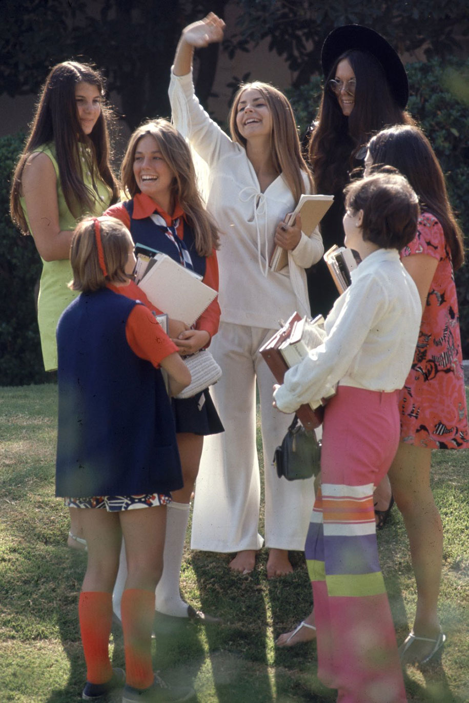 1969-hippie-high-school-counterculture-photography-11