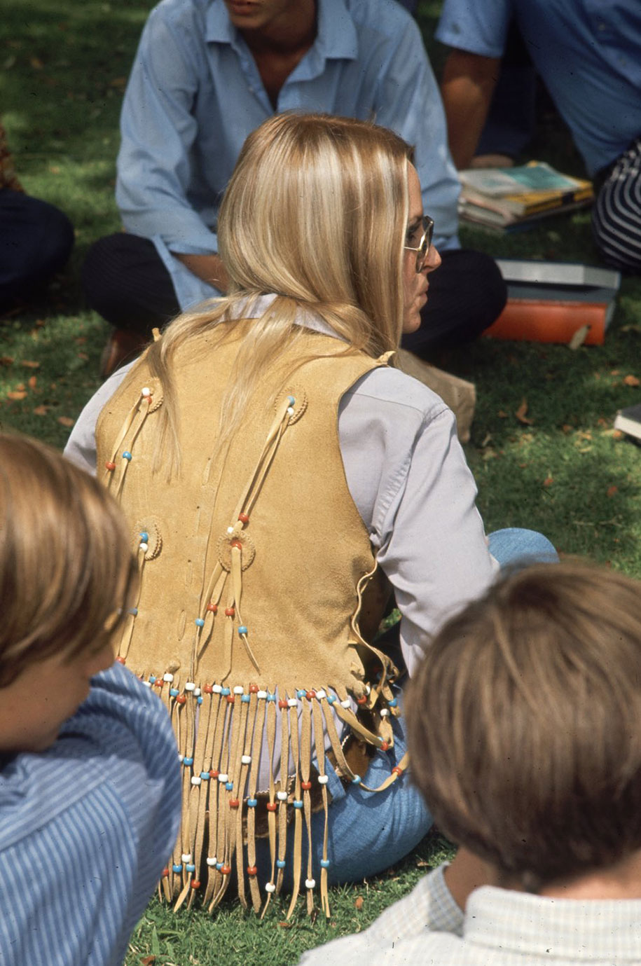 1969-hippie-high-school-counterculture-photography-13