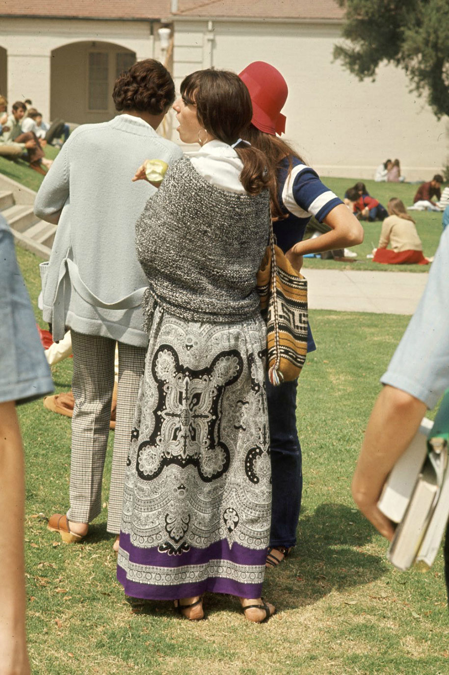1969-hippie-high-school-counterculture-photography-15