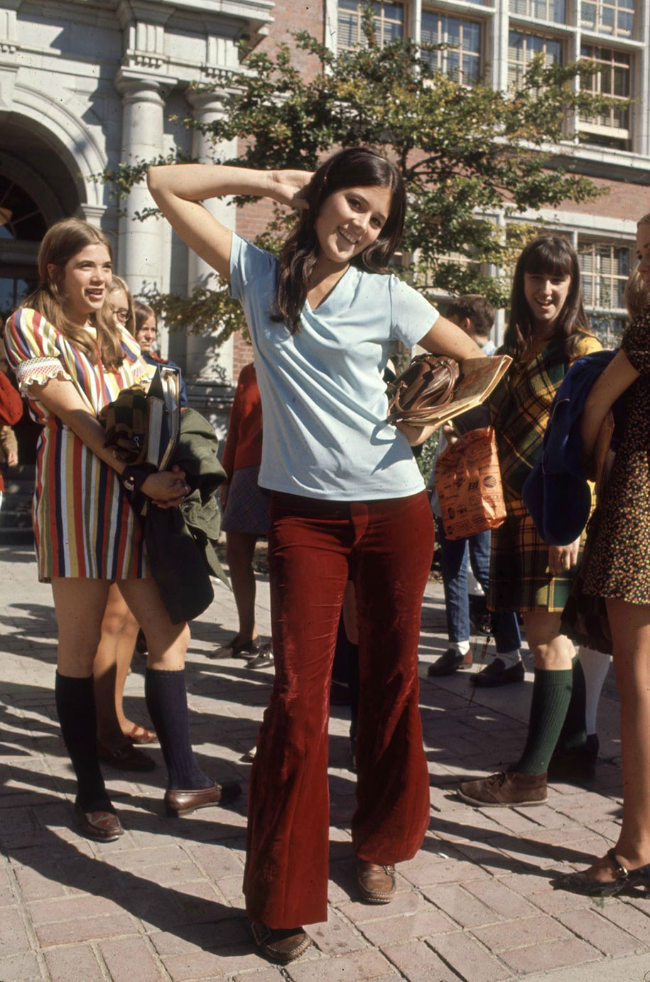 1969-hippie-high-school-counterculture-photography-3
