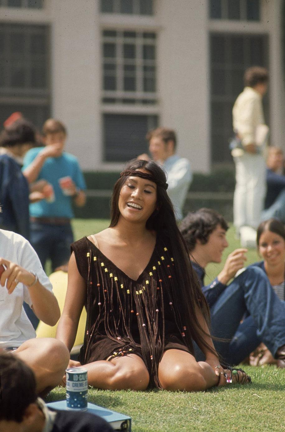 1969-hippie-high-school-counterculture-photography-4