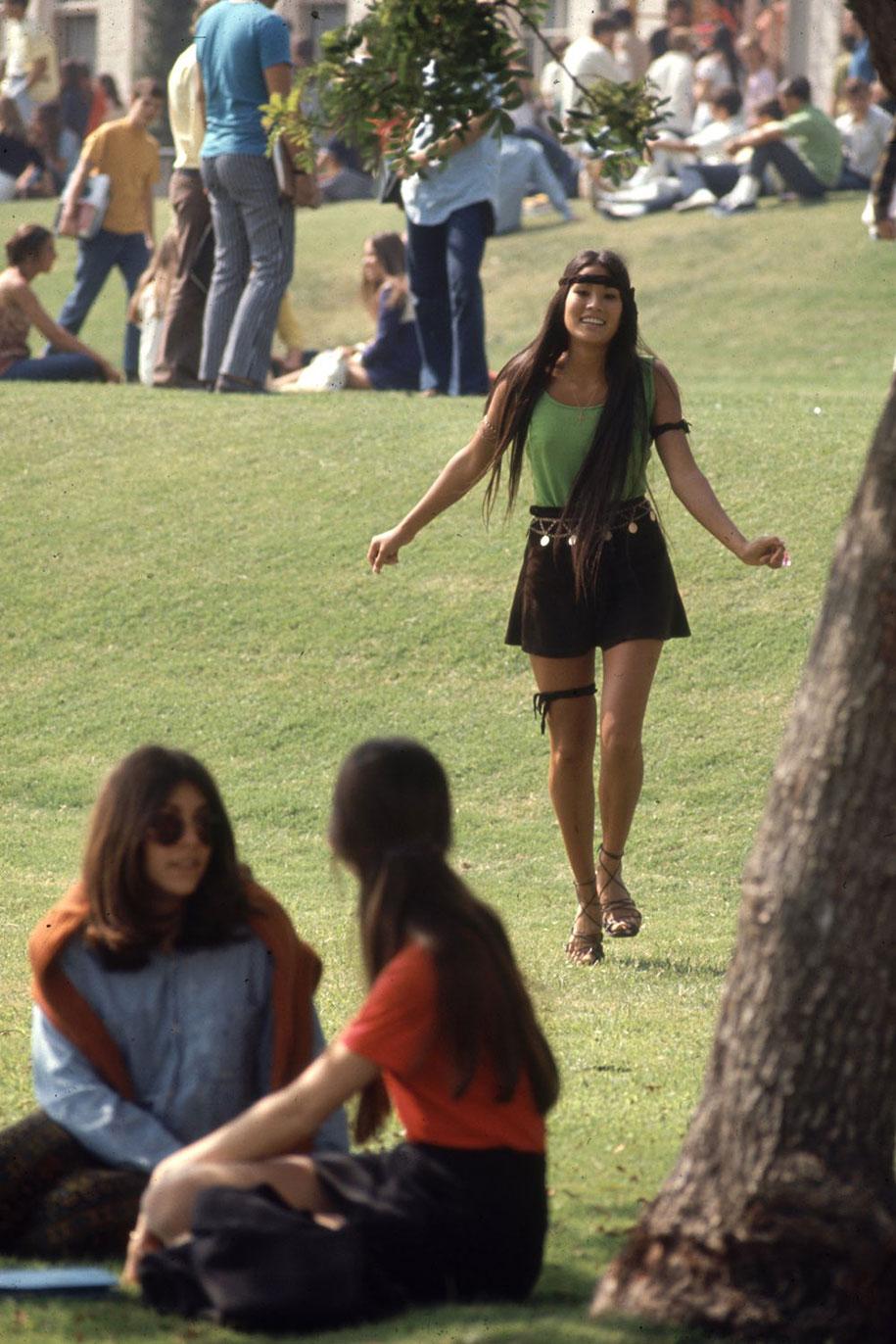 1969-hippie-high-school-counterculture-photography-6