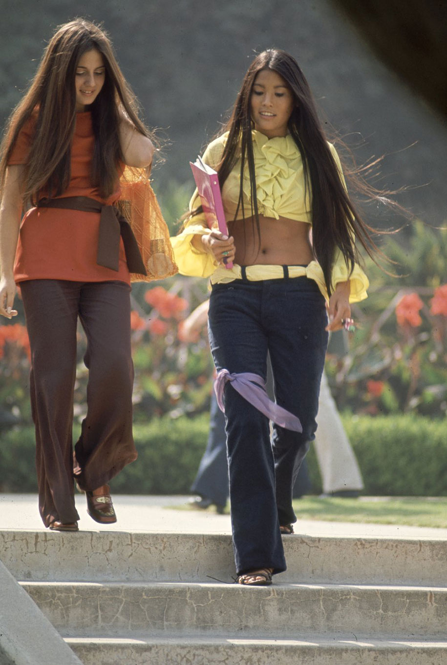 1969-hippie-high-school-counterculture-photography-9
