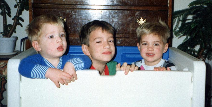 brothers-childhood-photo-recreation-christmas-calendar-gift-12