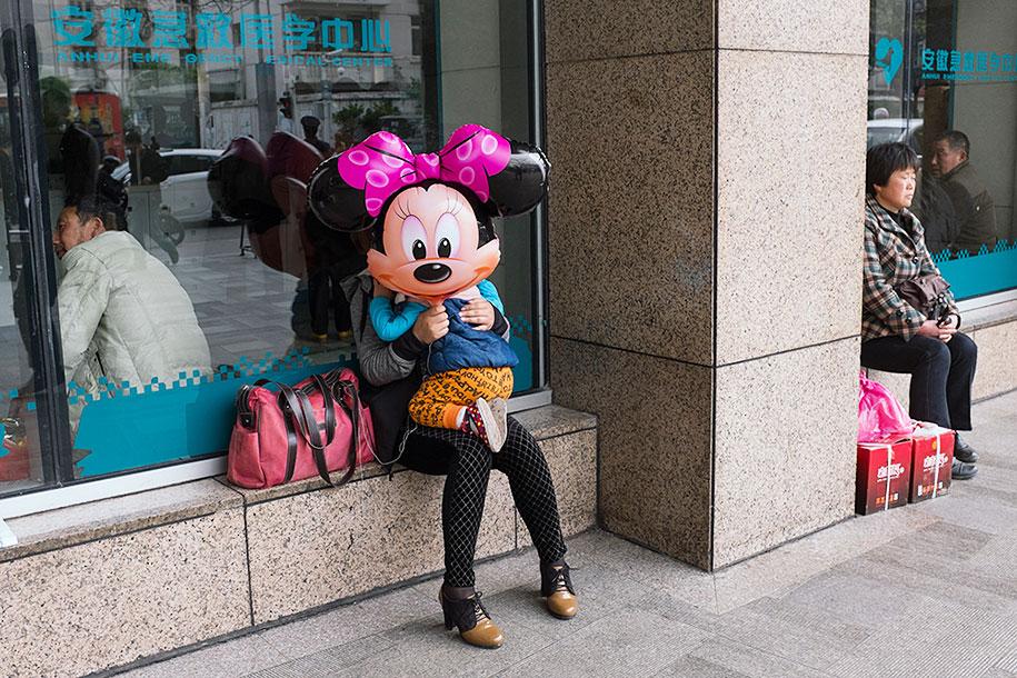 china-perfectly-timed-street-photography-tao-liu-1