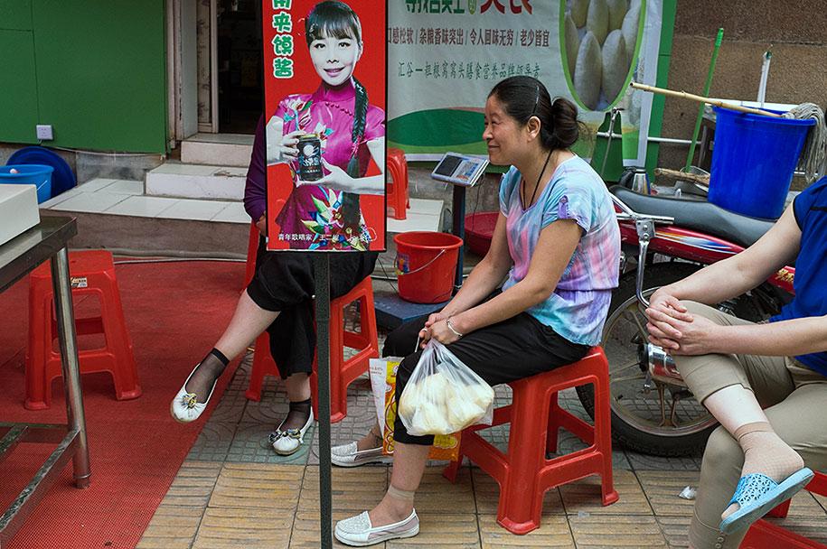 china-perfectly-timed-street-photography-tao-liu-23