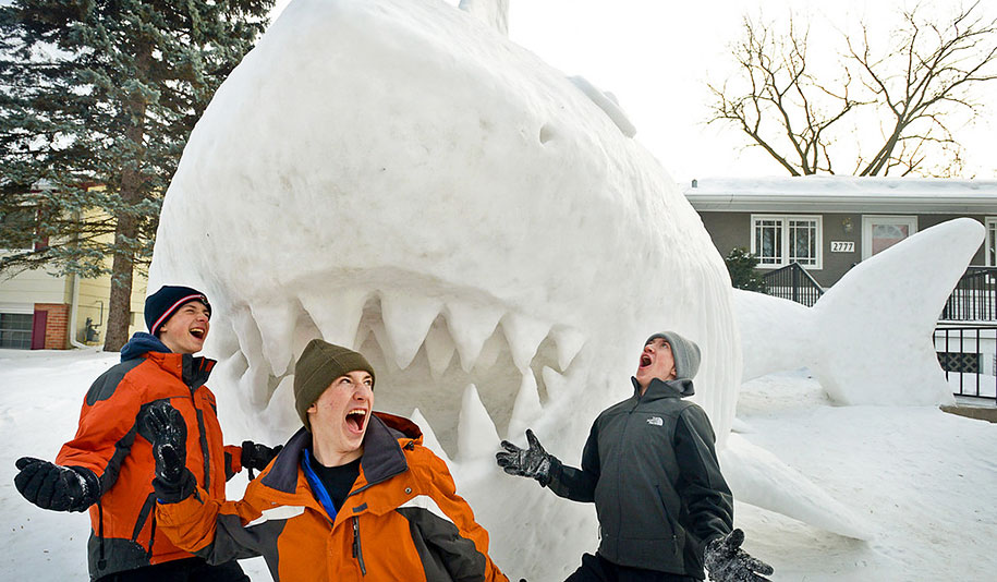 giant-animal-snow-sculptures-bartz-brothers-8