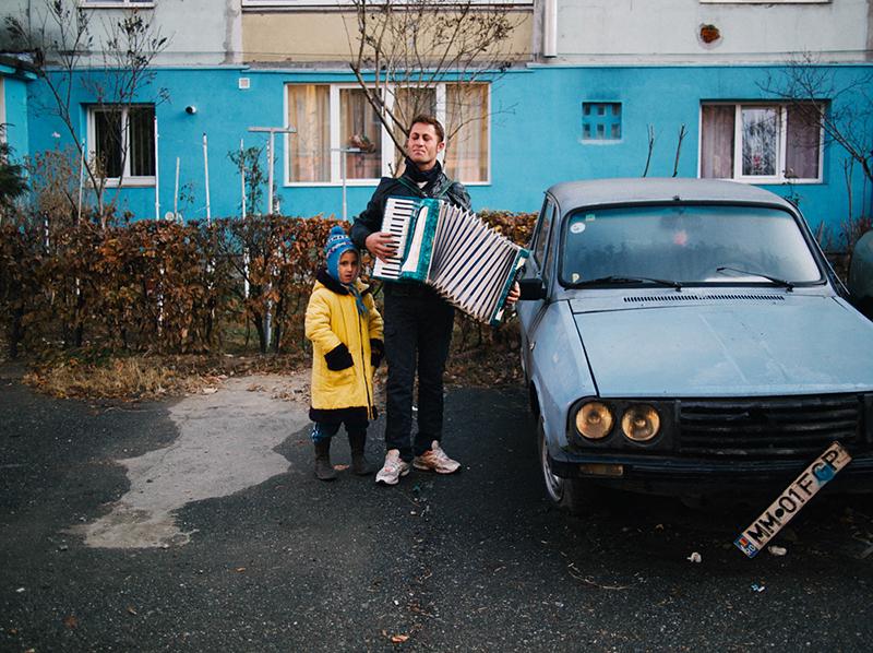 romania-villages-quirky-photography-hajdu-tamas-10