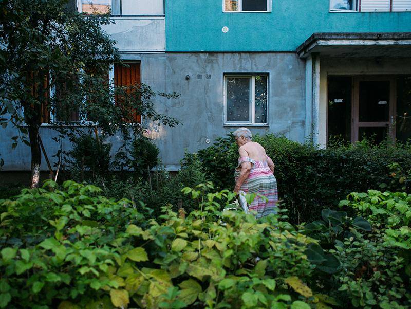 romania-villages-quirky-photography-hajdu-tamas-16
