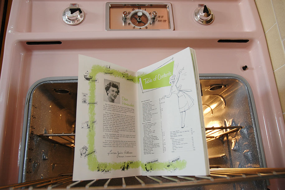 retro-50s-kitchen-pink-nathan-chandler11