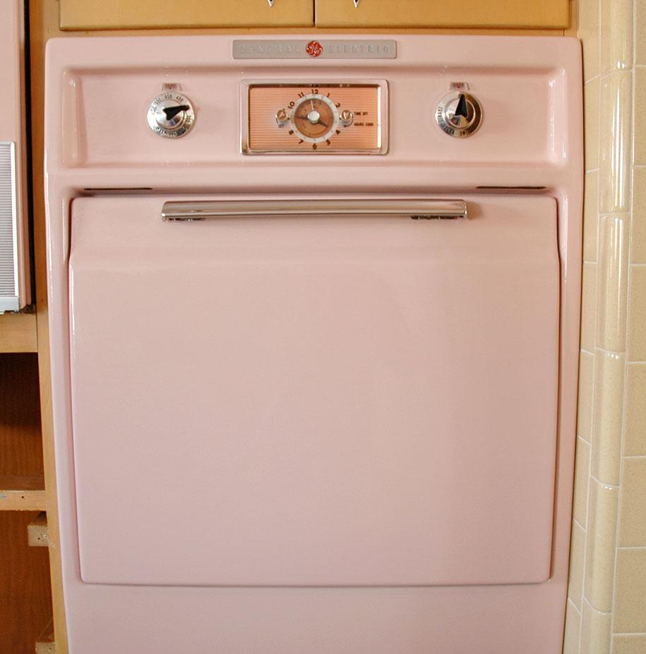 retro-50s-kitchen-pink-nathan-chandler13
