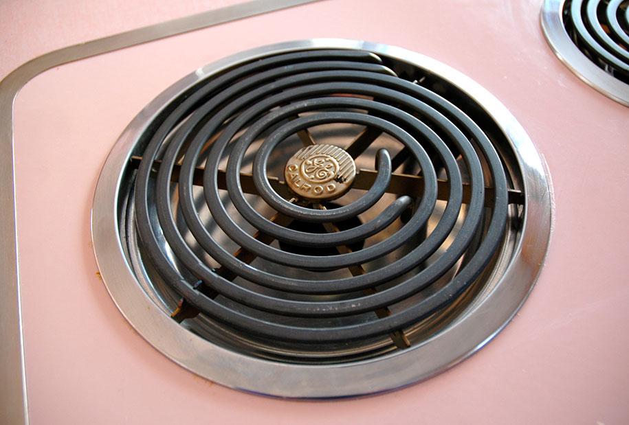 retro-50s-kitchen-pink-nathan-chandler2