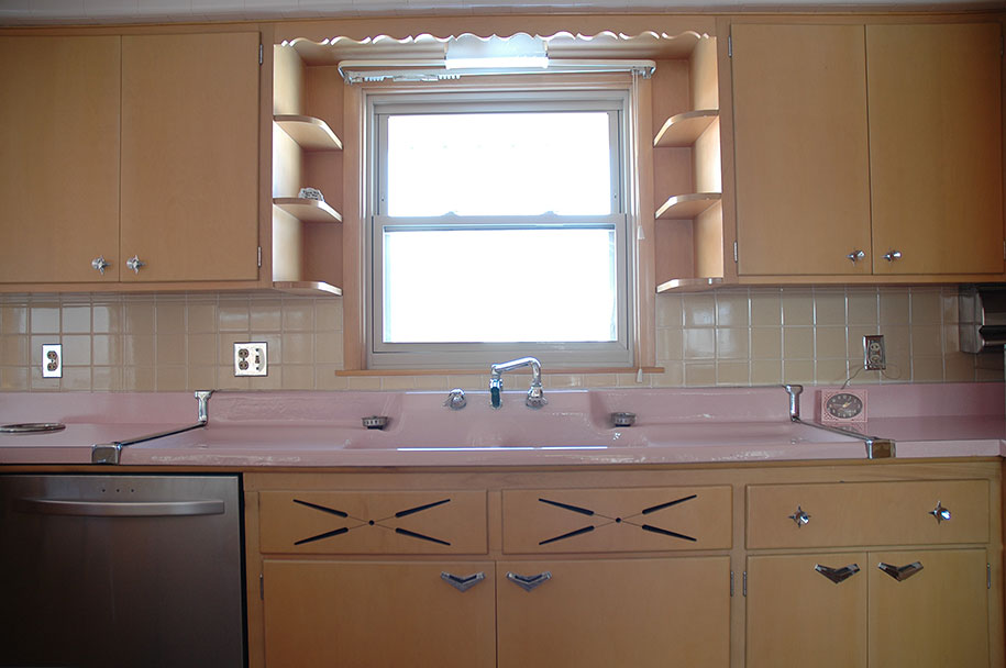 This 50 Year Old Kitchen Hasn T Been, Vintage 1950 S Kitchen Cabinets
