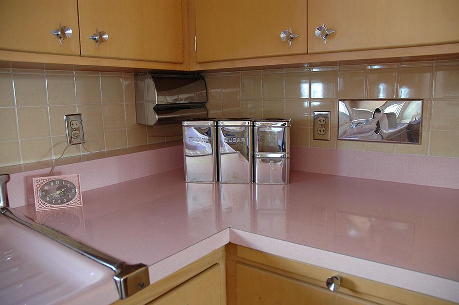 retro-50s-kitchen-pink-nathan-chandler4