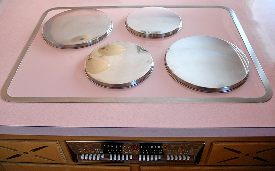retro-50s-kitchen-pink-nathan-chandler6