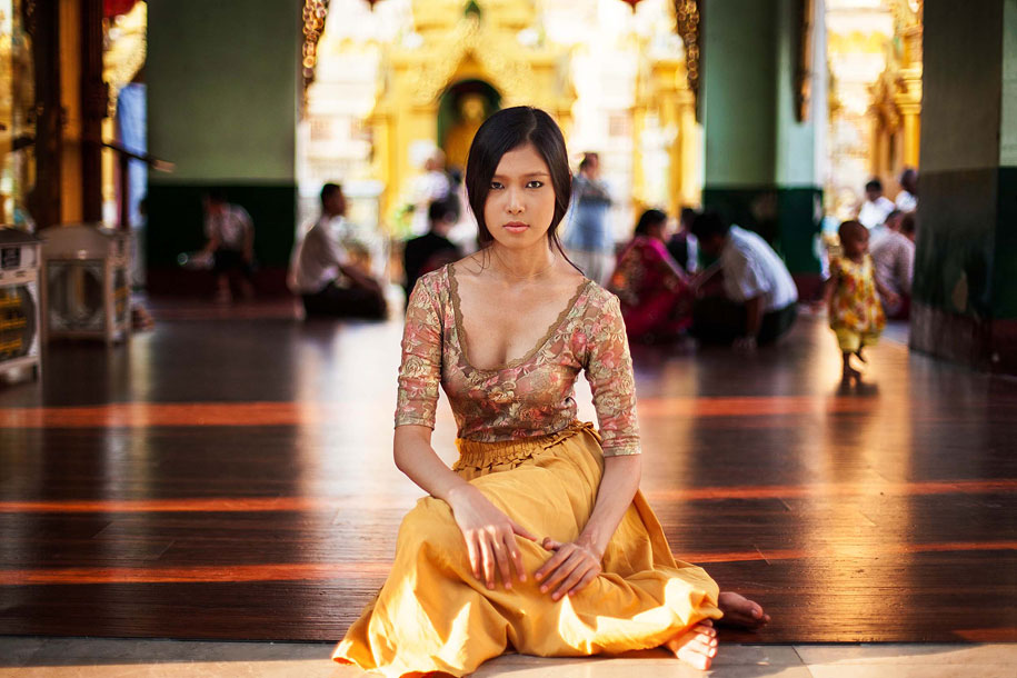 women-around-world-atlas-beauty-mihaela-noroc-14