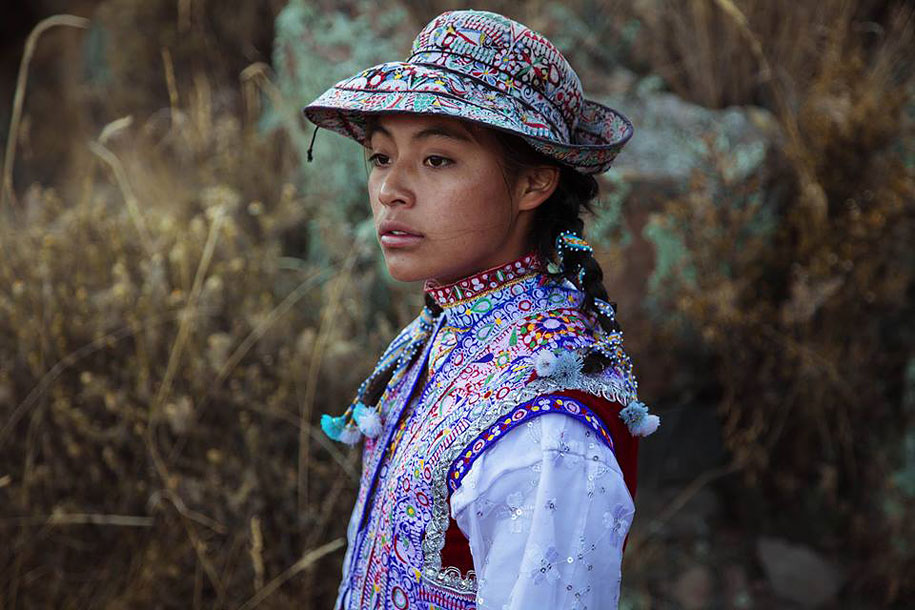 women-around-world-atlas-beauty-mihaela-noroc-28