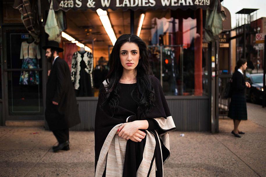 women-around-world-atlas-beauty-mihaela-noroc-6