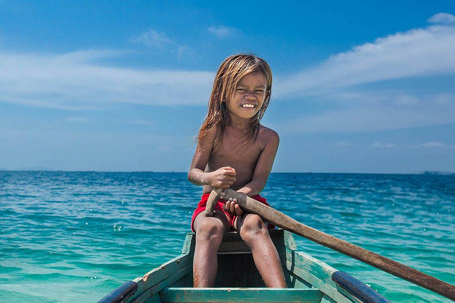 bajau-borneo-sea-gypsies-rehahn-croquevielle-1