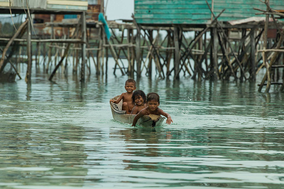 bajau-borneo-sea-gypsies-rehahn-croquevielle-3
