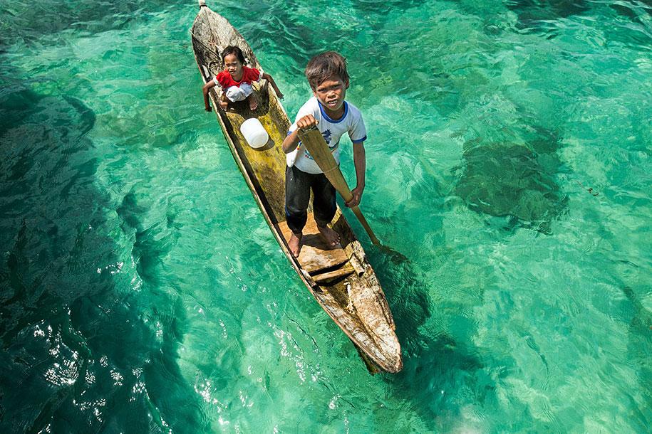 bajau-borneo-sea-gypsies-rehahn-croquevielle-5