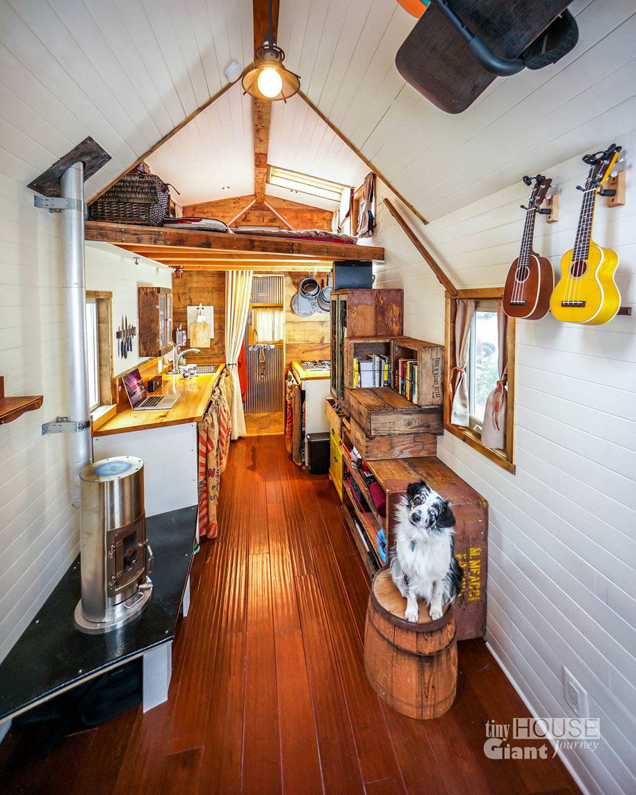 couple-travel-tiny-house-giant-journey-guillaume-dutilha-jenna-spesard-13
