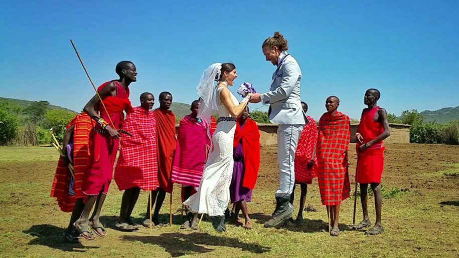 couple-wedding-around-the-world-travel-cheetah-rhian-4