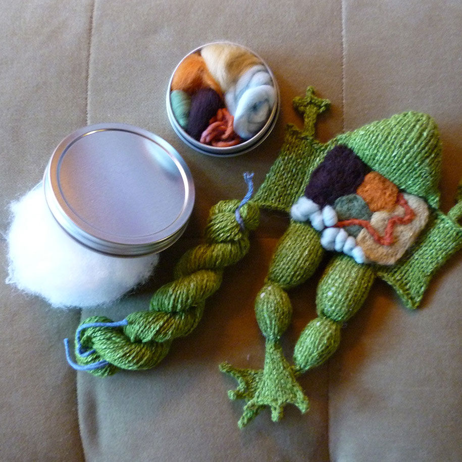knit-animal-dissection-aknitomy-emily-stoneking-13