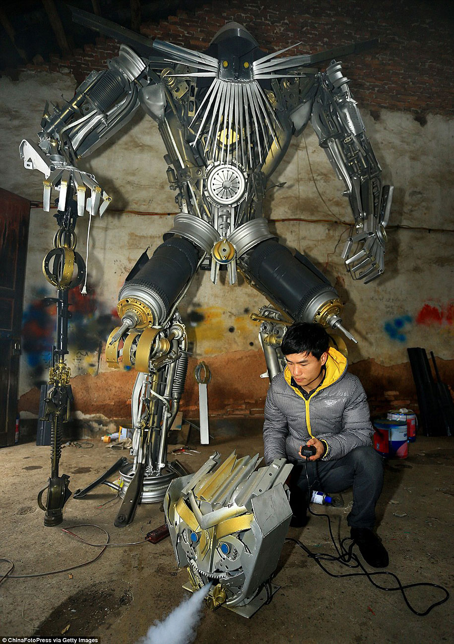 recycled-car-parts-scrap-metal-sculpture-transformers-father-son-farmer-china-02