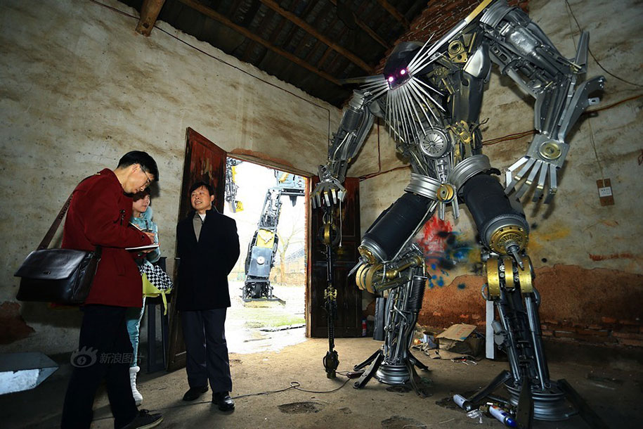 recycled-car-parts-scrap-metal-sculpture-transformers-father-son-farmer-china-09
