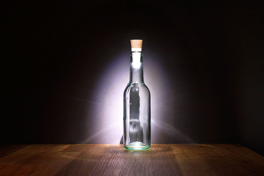 recycling-atmosphere-rechargeable-bottle-light-steve-gates-suck-uk-3