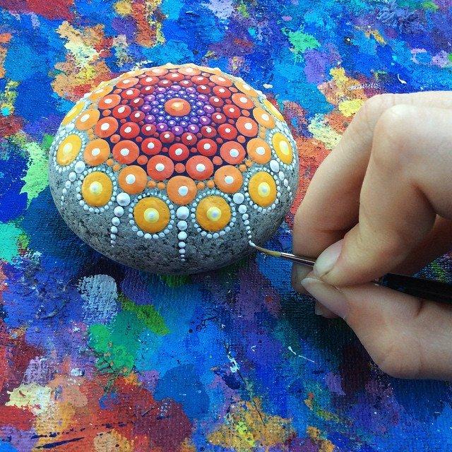 rock-art-mandala-stones-elspeth-mclean-canada-07