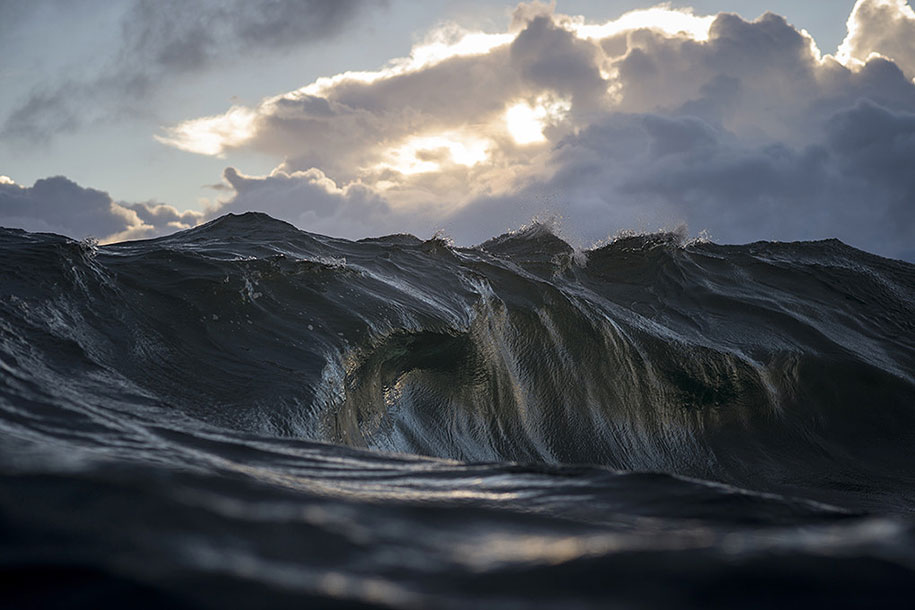 sea-photography-mountain-waves-ray-collins-04