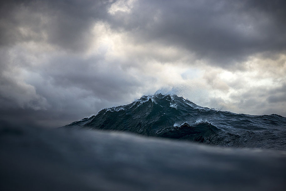 sea-photography-mountain-waves-ray-collins-11