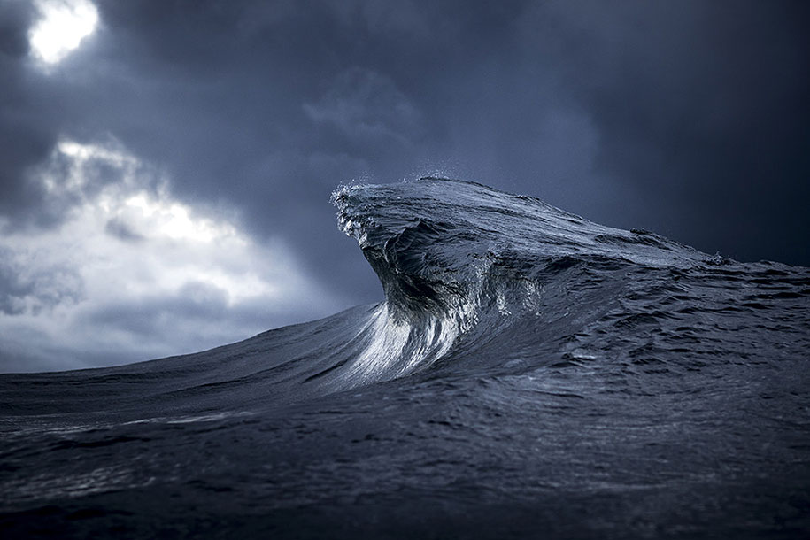 sea-photography-mountain-waves-ray-collins-13