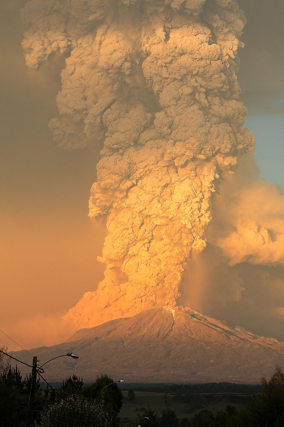 beautiful-scary-volcano-eruption-calbuco-chile-15