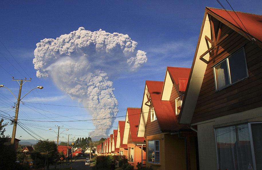 beautiful-scary-volcano-eruption-calbuco-chile-16
