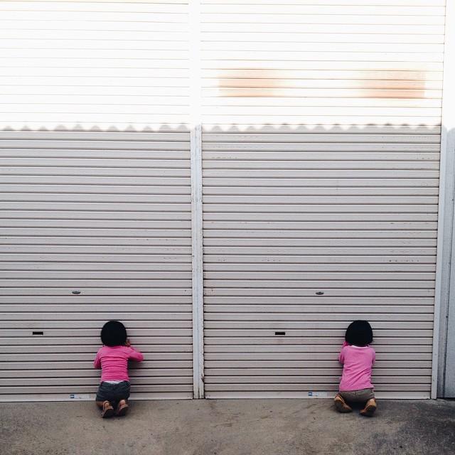 childhood-twin-sisters-family-pictures-sunmoooon-akira-oozawa-22
