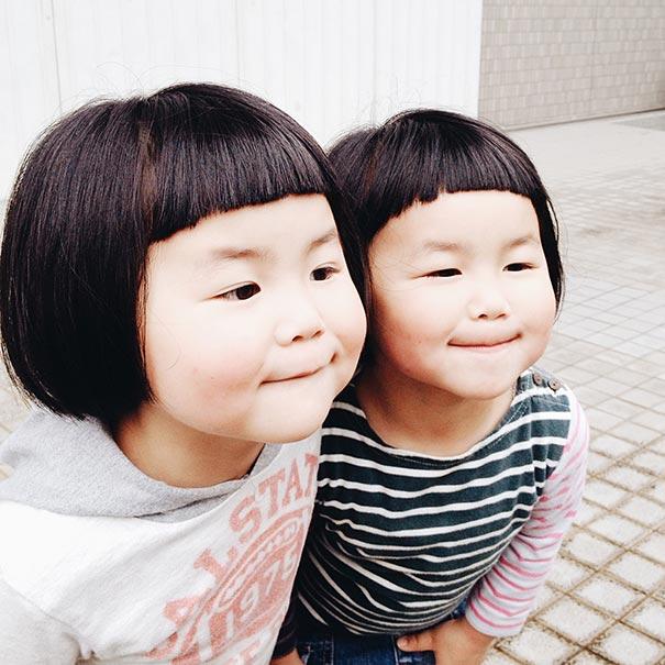 childhood-twin-sisters-family-pictures-sunmoooon-akira-oozawa-34