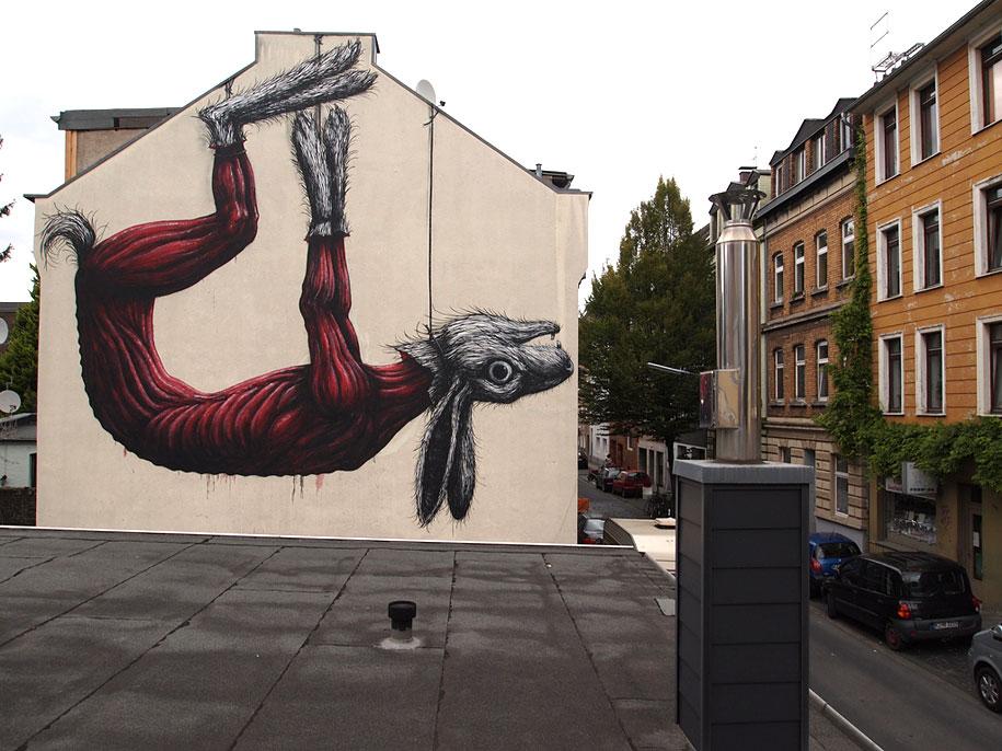 environmental-graffiti-street-art-02