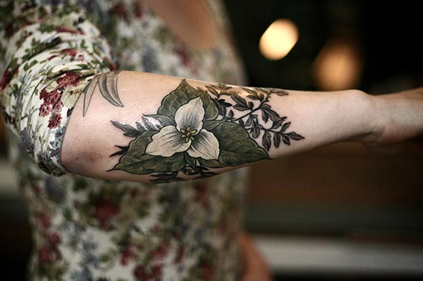 flower-plant-botanical-tattoos-alice-carrier-61